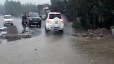Pada od pięciu dni: strumienie wody płyną ulicami