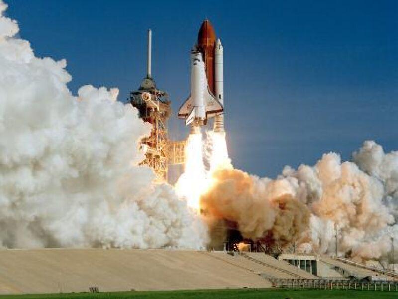 Discovery i jego dziewiczy lot w 1984 roku (NASA)