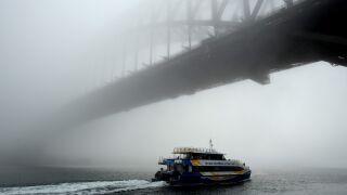 Miasto utonęło we mgle.  Dziesiątki opóźnionych lotów