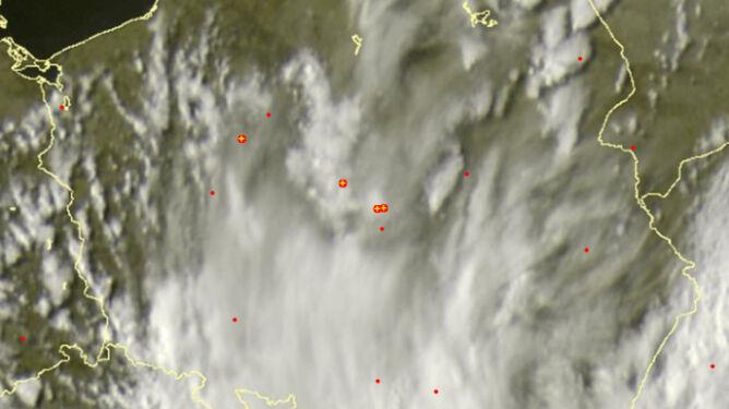 Burze w centrum Polski. <br />Idą na północny zachód
