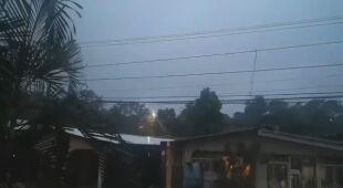 Huragan Jota niesie ulewny deszcz
